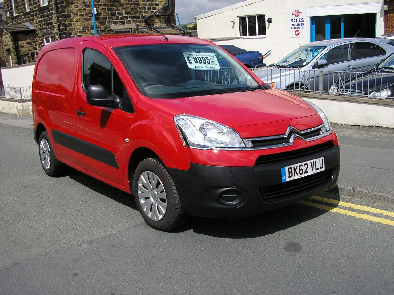 CITROEN BERLINGO 1.6 red