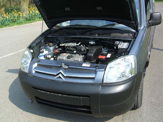 CITROEN BERLINGO engine