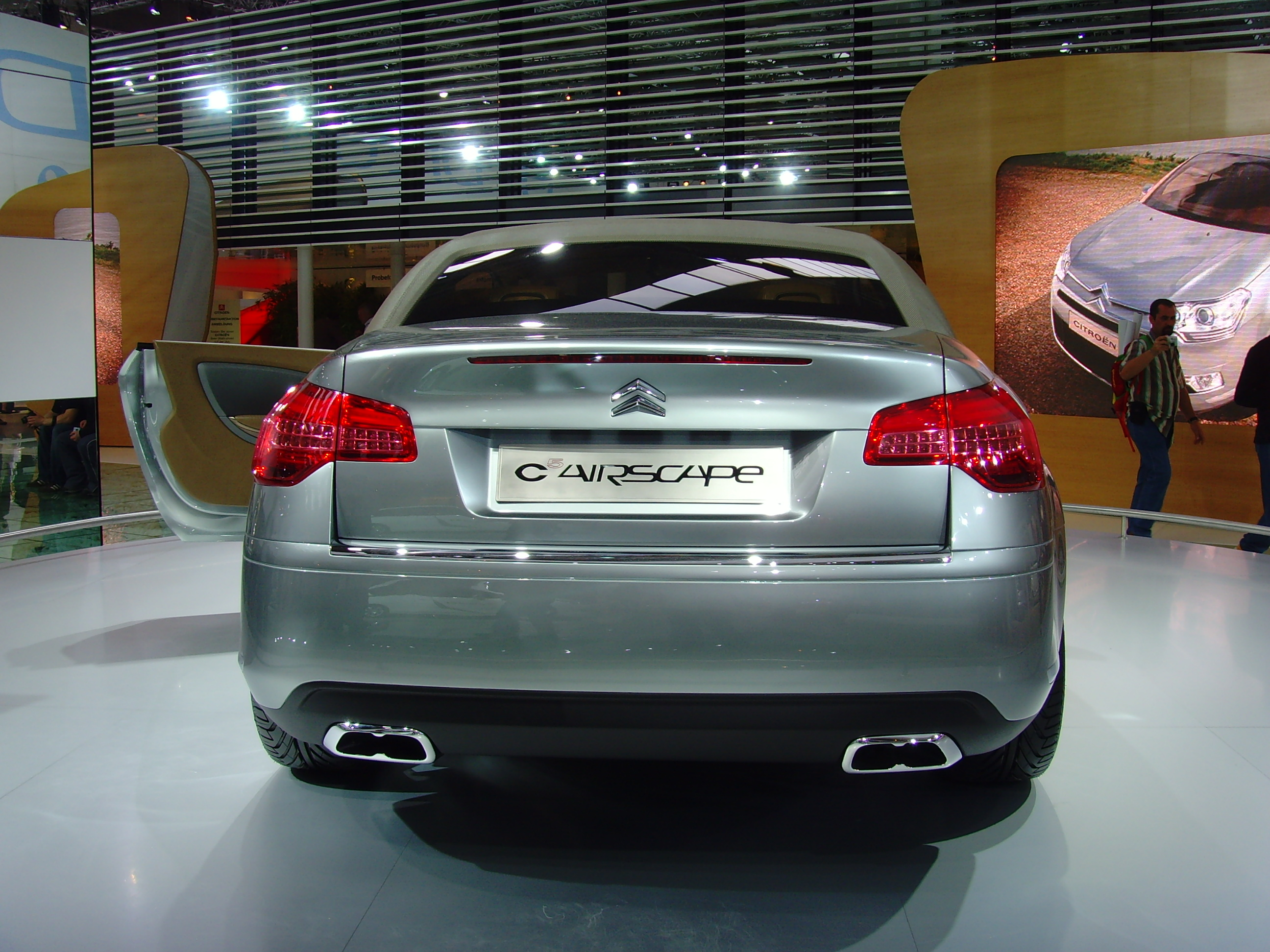 citroen c5 review and photos. Black Bedroom Furniture Sets. Home Design Ideas