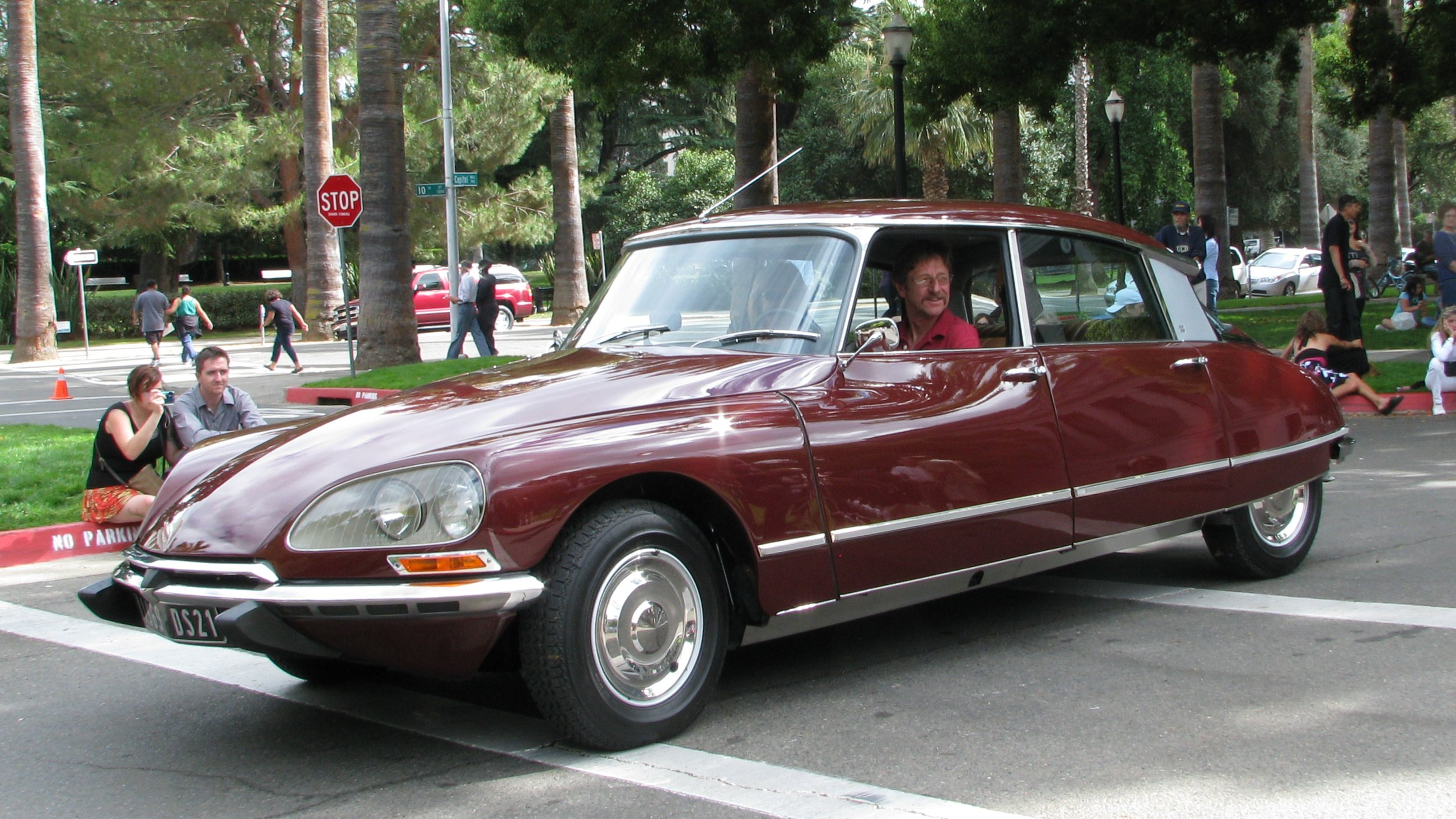 CITROEN DS 19 black