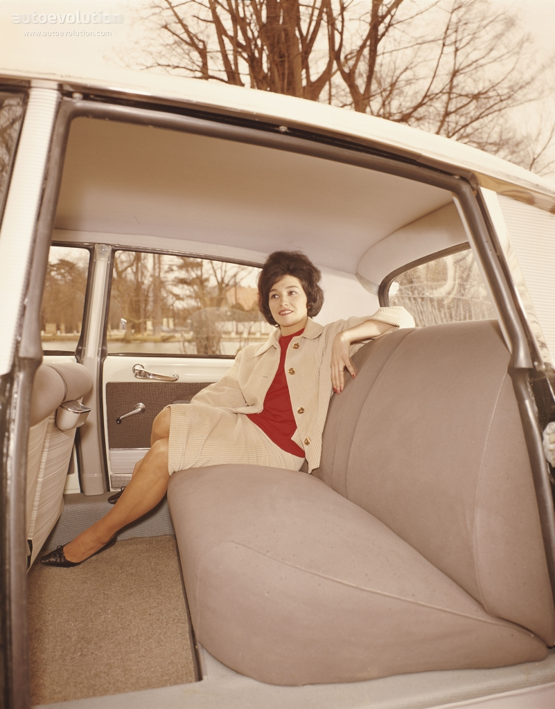 CITROEN DS 19 interior