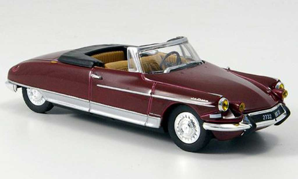 CITROEN DS 19 red
