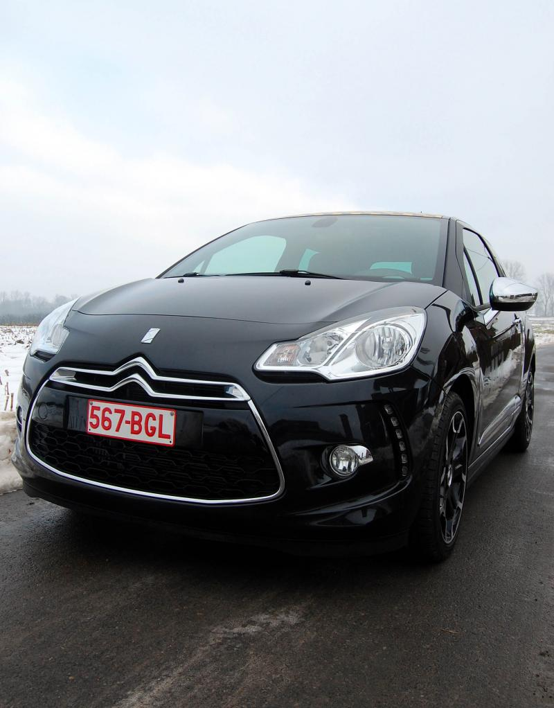 CITROEN DS3 CHIC green