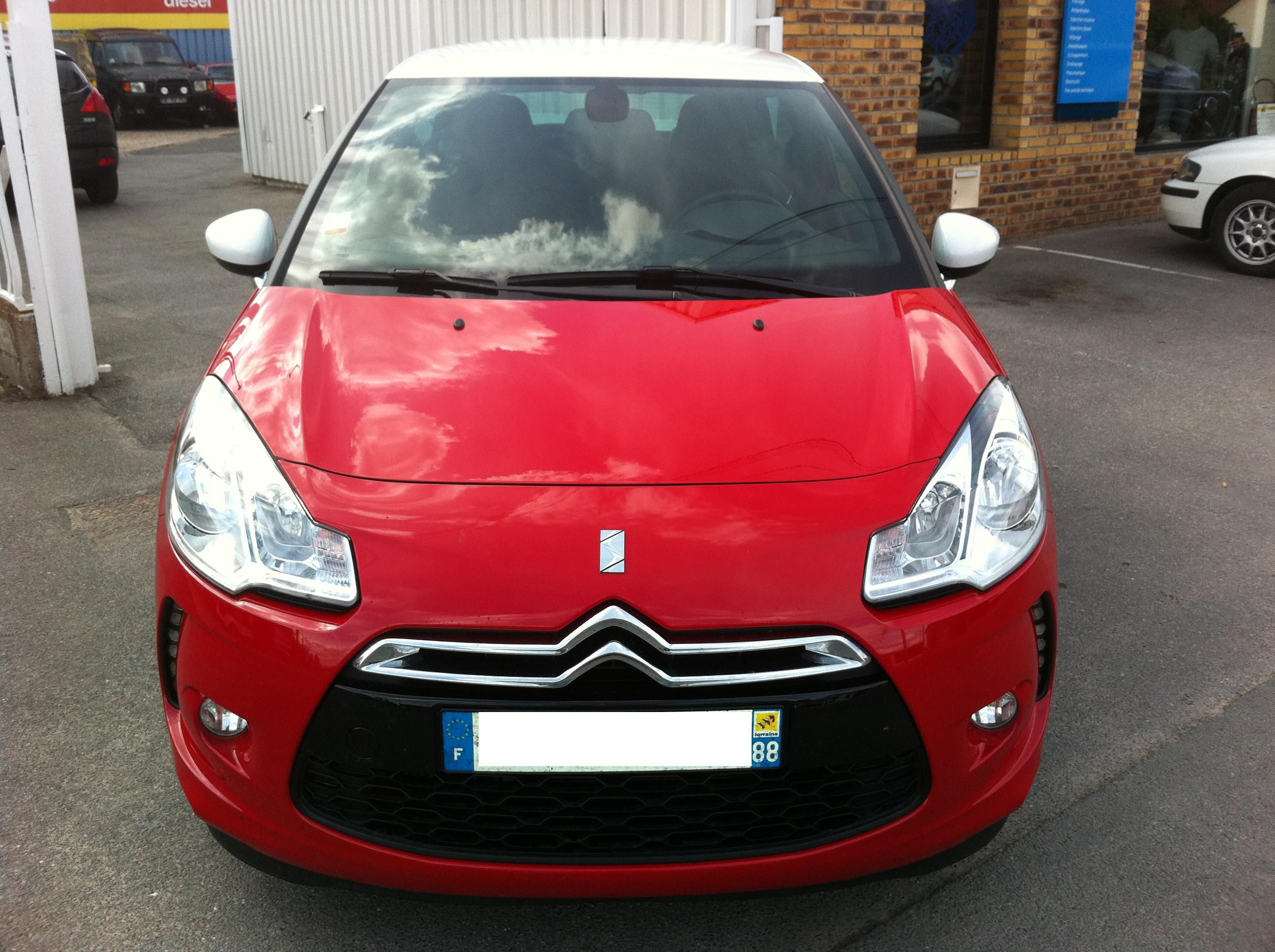 CITROEN DS3 CHIC red