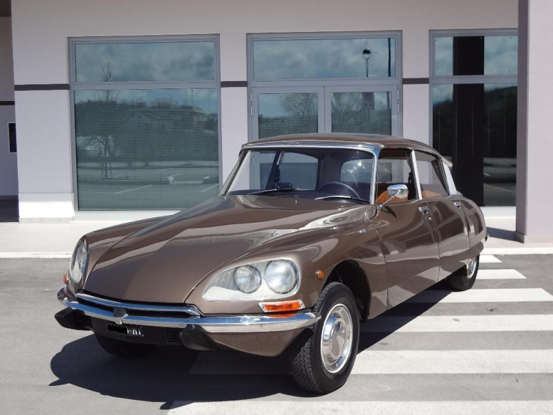 CITROEN DS brown