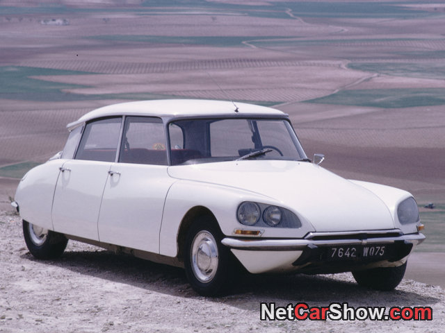 CITROEN DS white