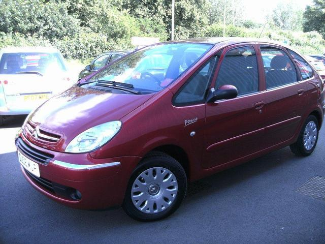CITROEN PICASSO red