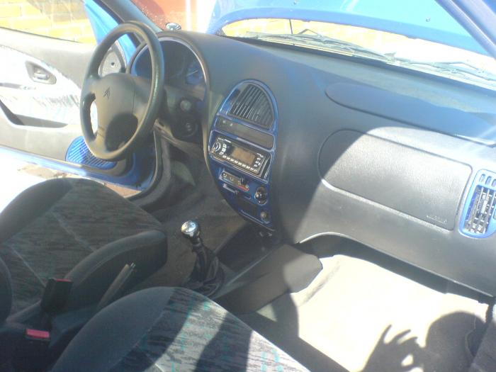 CITROEN SAXO interior