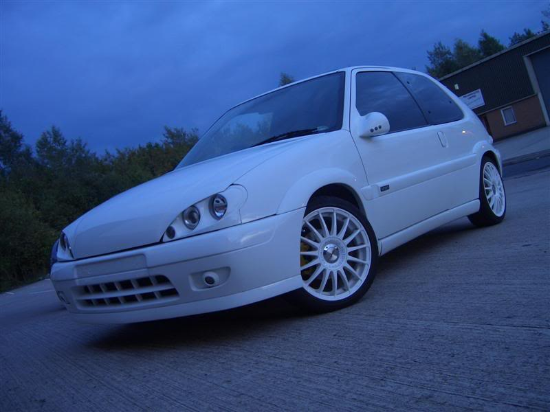 CITROEN SAXO white