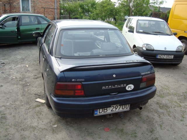 DAIHATSU APPLAUSE