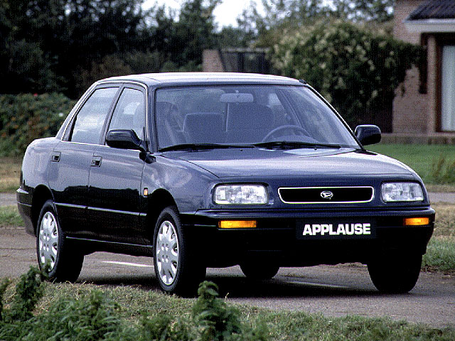 DAIHATSU APPLAUSE silver