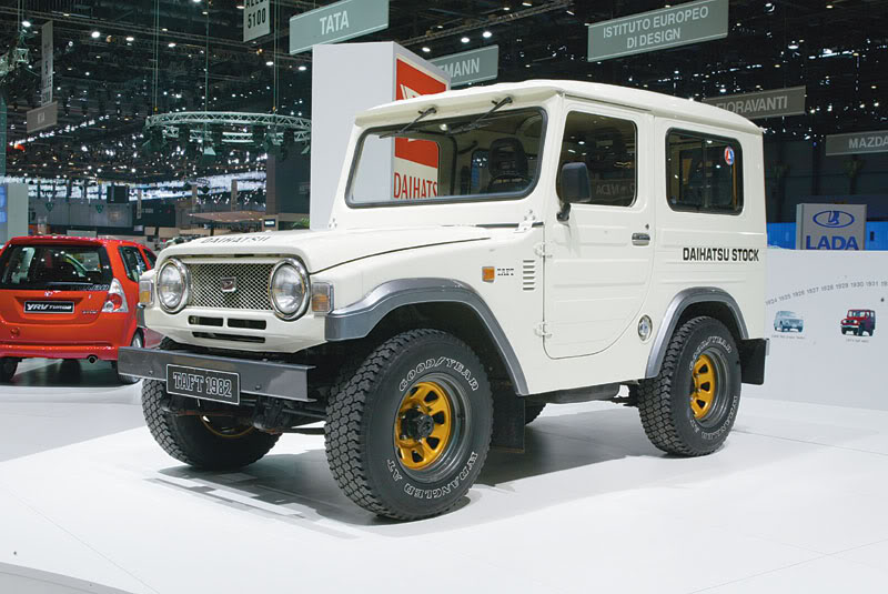 DAIHATSU F50 interior