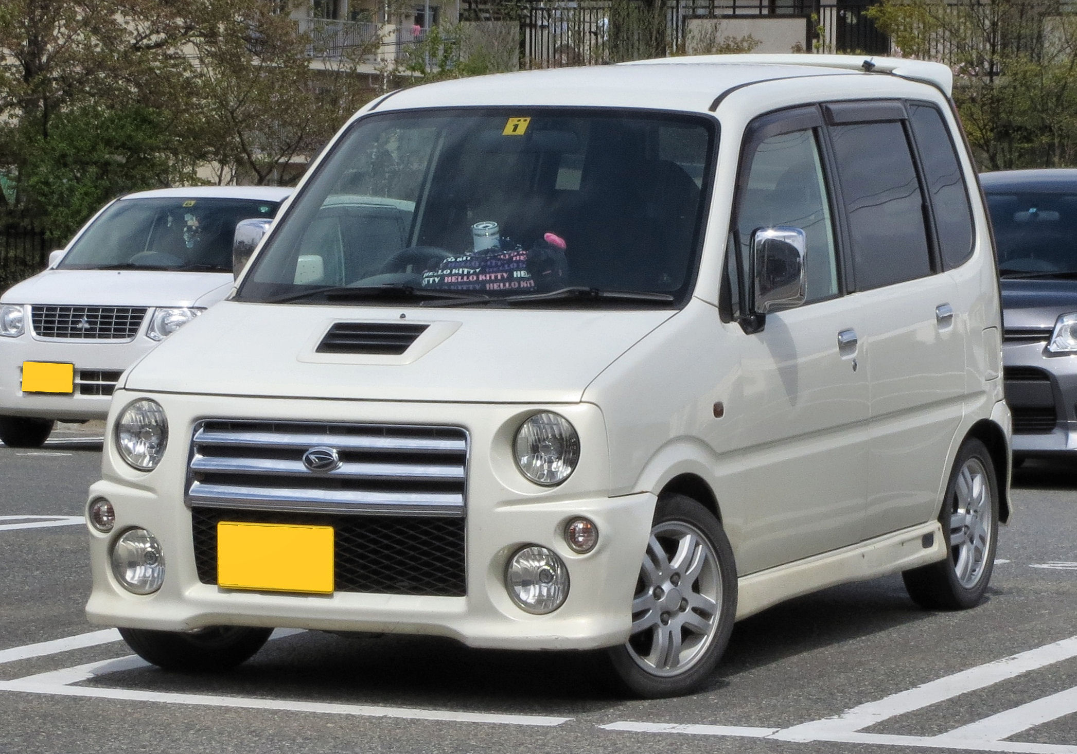 DAIHATSU MOVE RS white