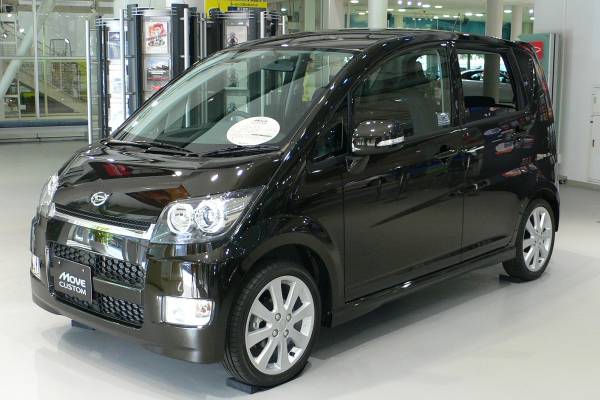 DAIHATSU MOVE brown