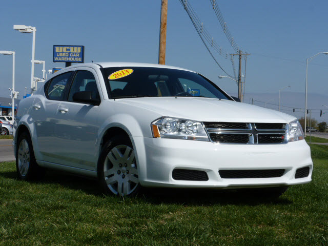 DODGE AVENGER SE green