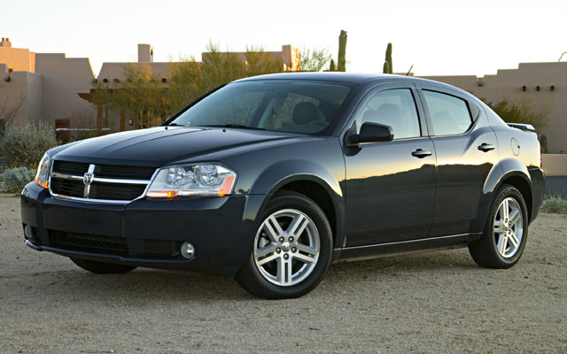 DODGE AVENGER SE red