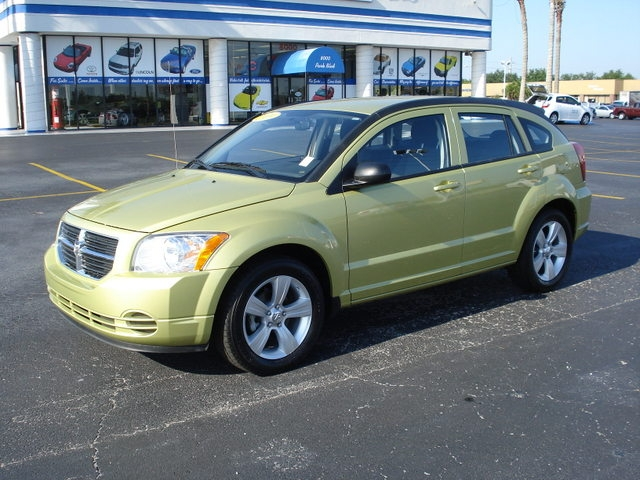 DODGE CALIBER green