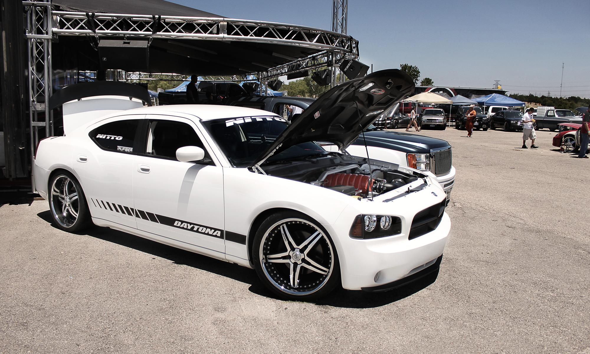 DODGE CHARGER white