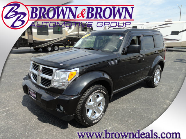 DODGE NITRO brown