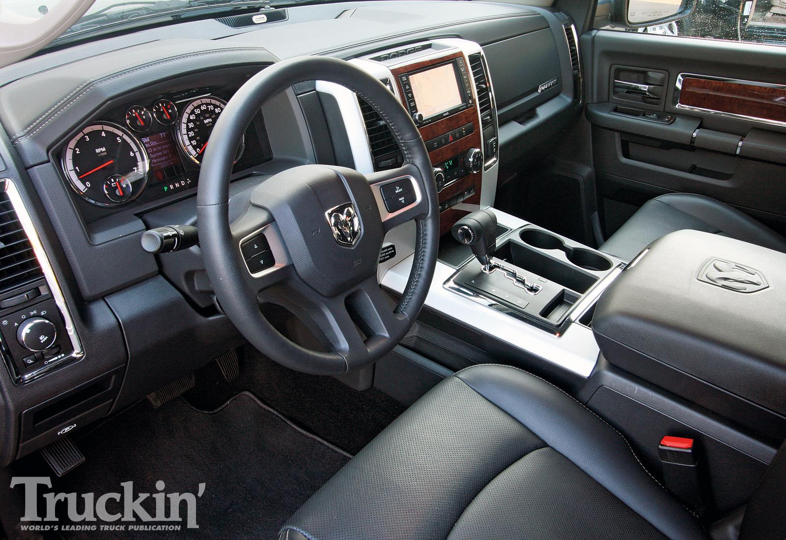 DODGE RAM interior