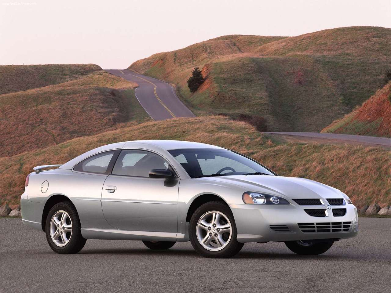DODGE STRATUS COUPE green
