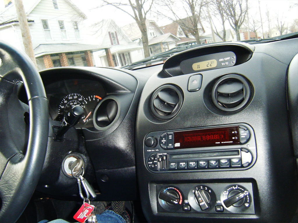 DODGE STRATUS COUPE interior