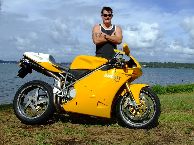ducati 748 - review and photos