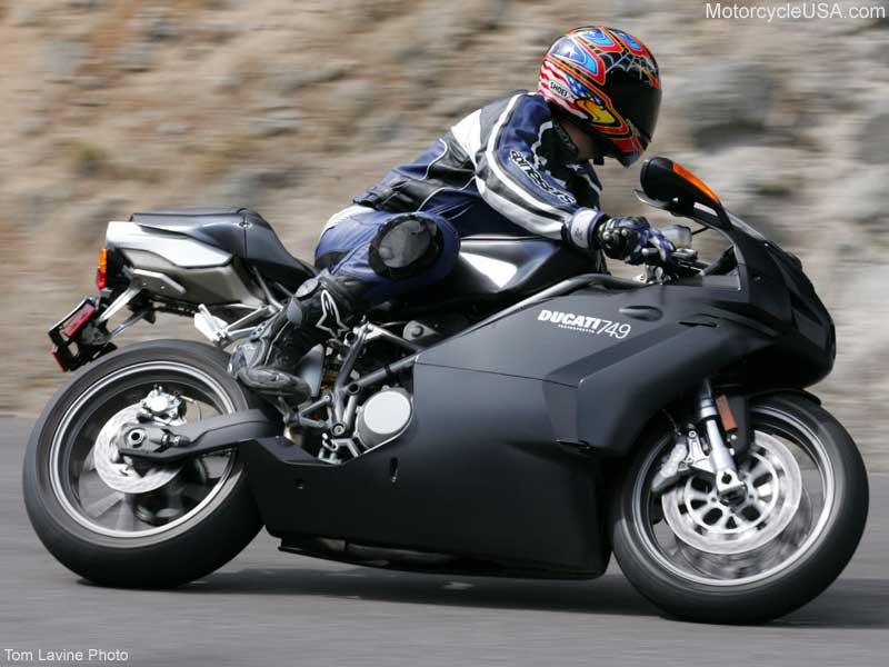 DUCATI 749 - Review and photos