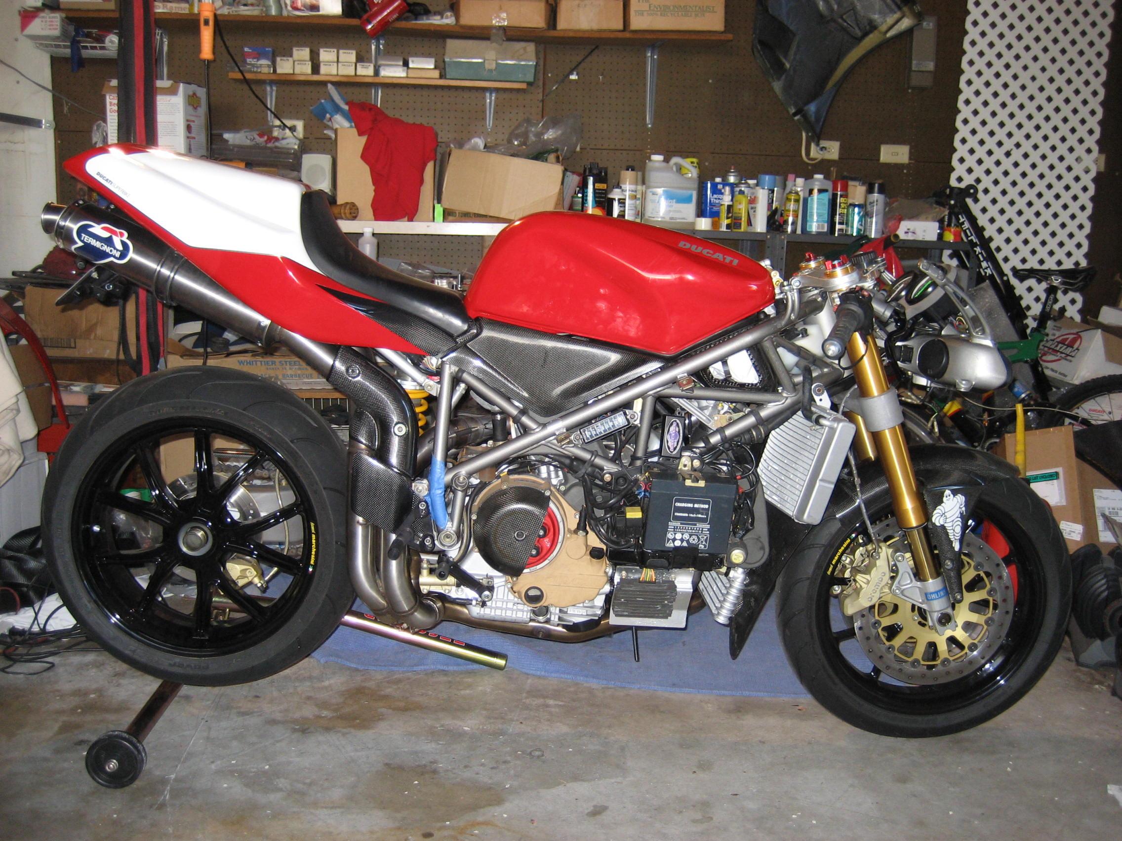 DUCATI 996 R black