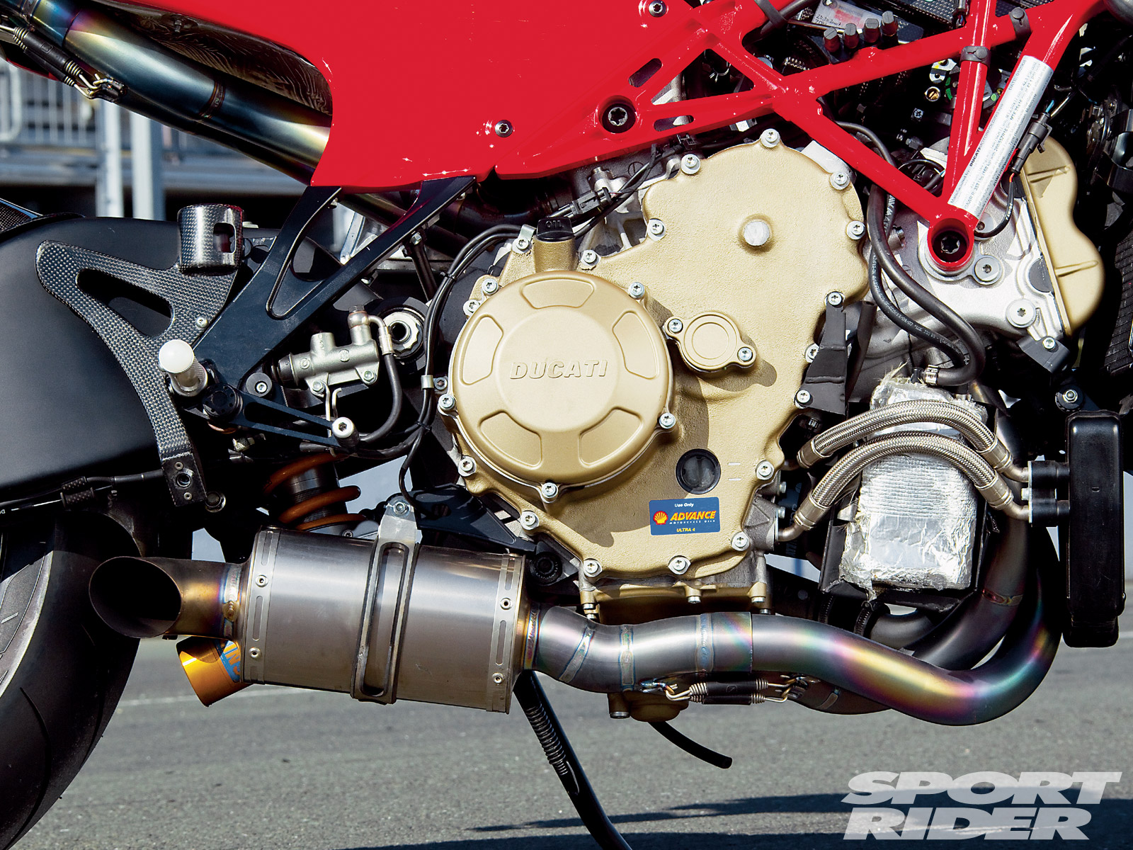 DUCATI DESMOSEDICI RR engine
