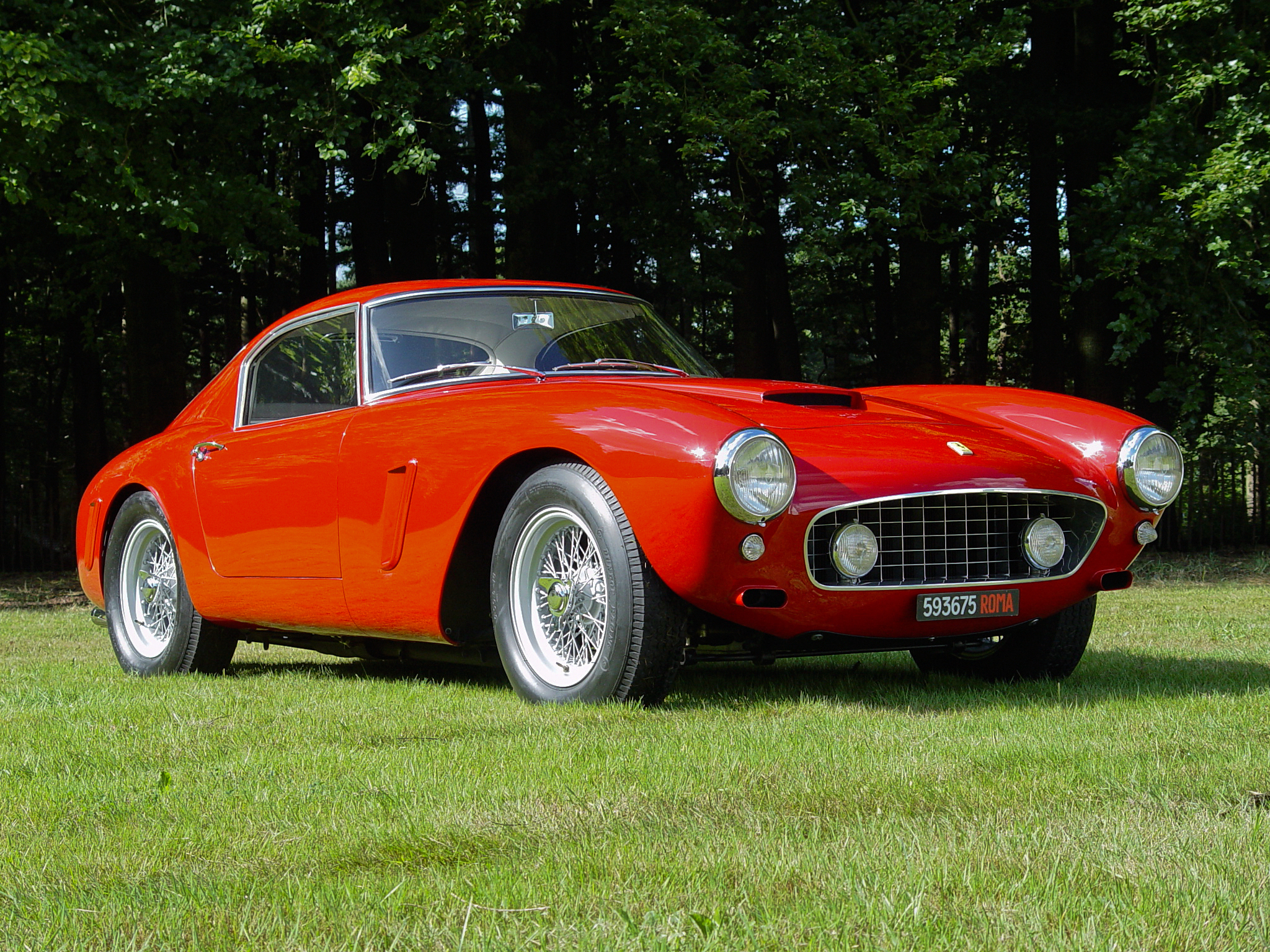FERRARI 250 GT SWB ON A LAWN IN THE SUN BY POGO02