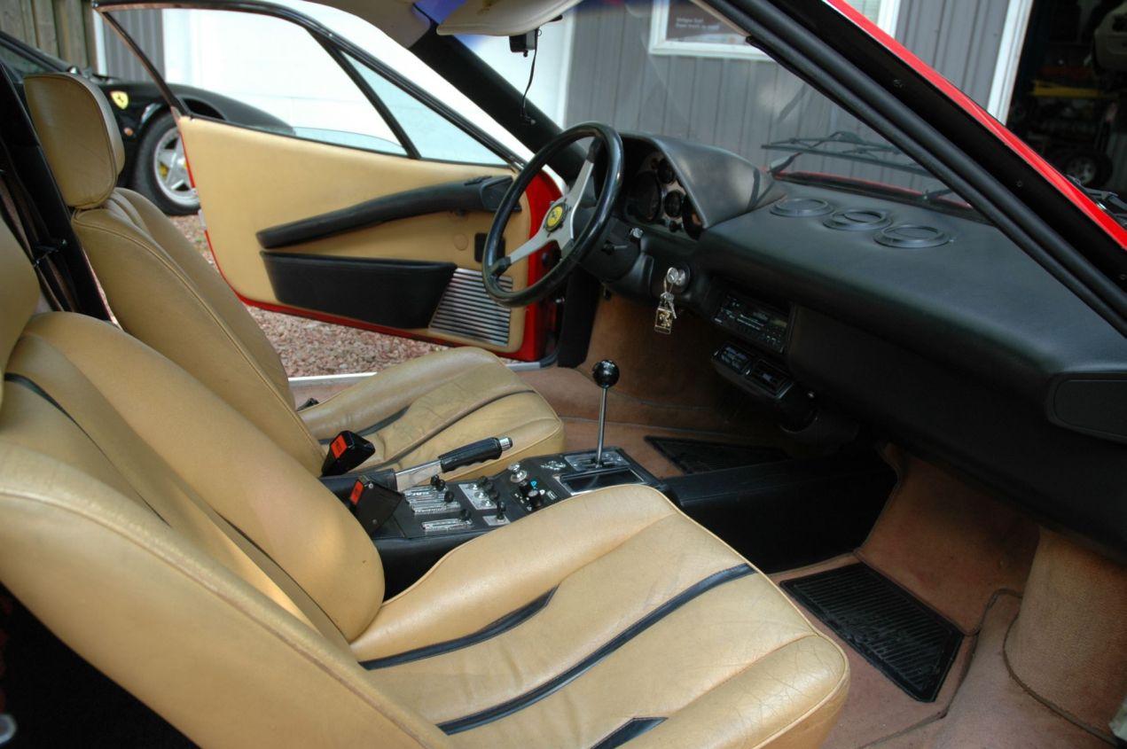 FERRARI 308 GT interior