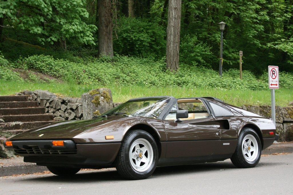 FERRARI 308 brown