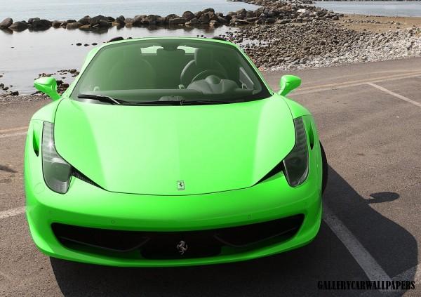 FERRARI 458 ITALIA green