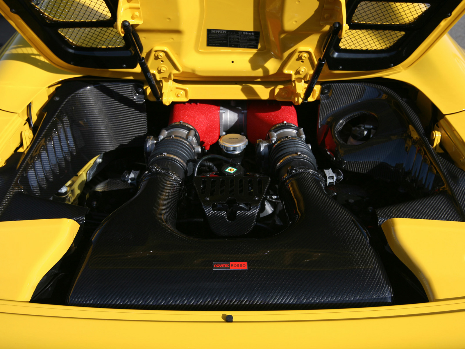 FERRARI 458 SPIDER engine
