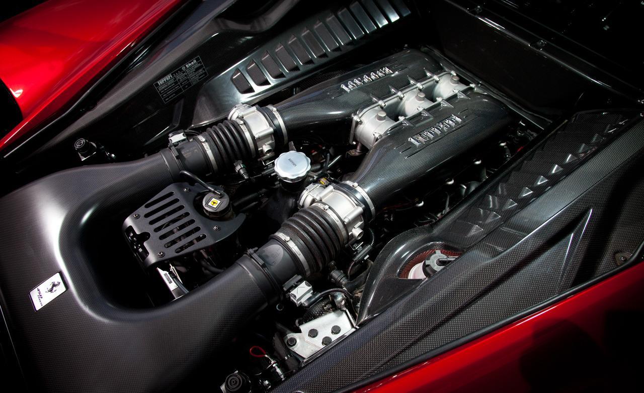 FERRARI 458 engine