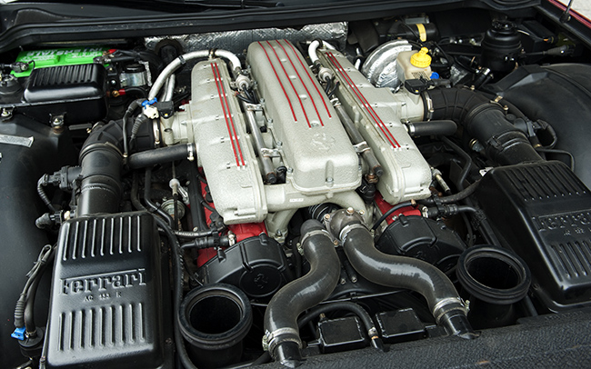 FERRARI 550 engine
