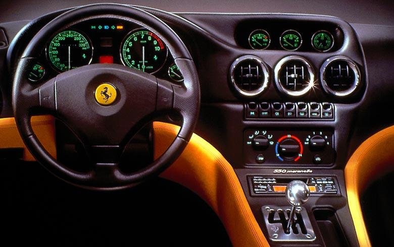 FERRARI 550 interior