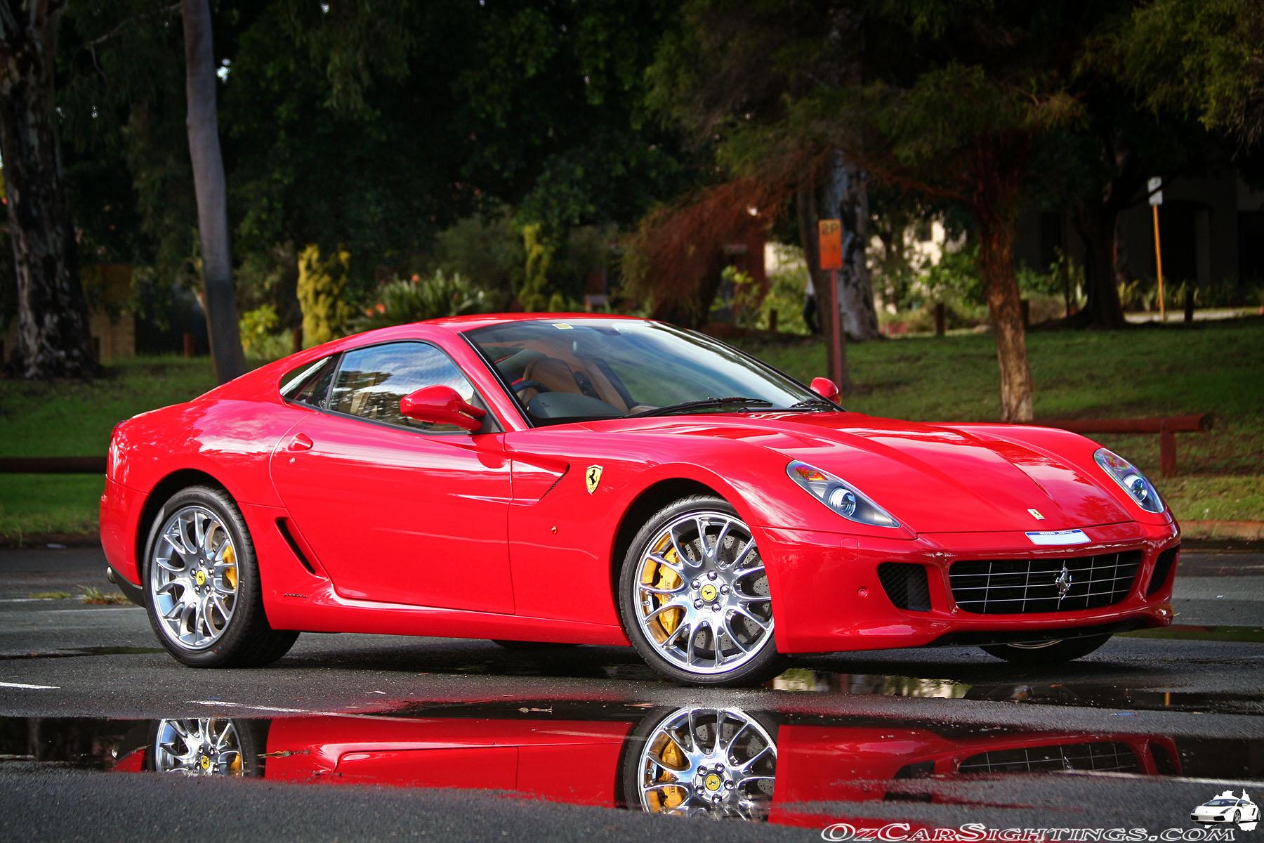 FERRARI 599 red