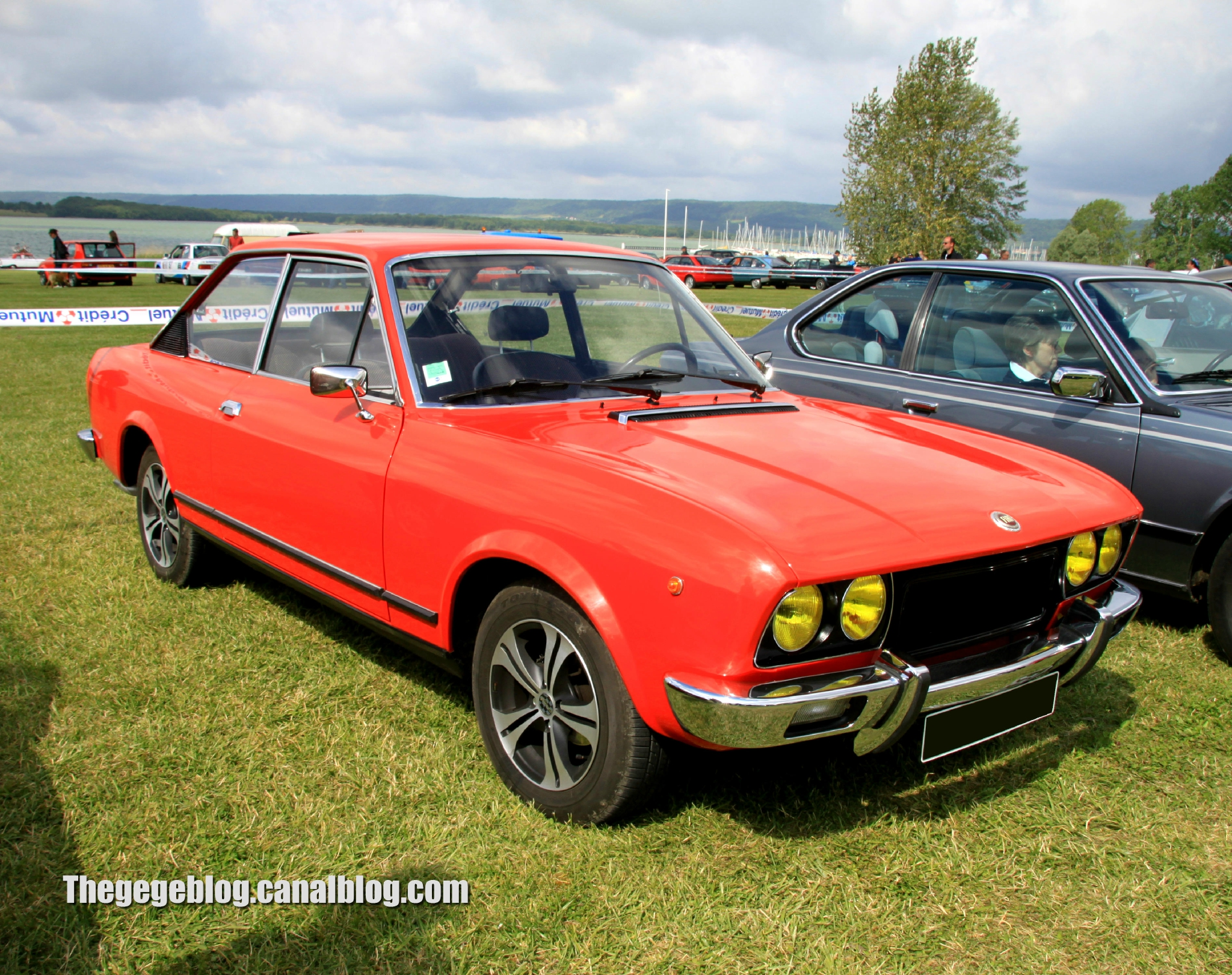 FIAT 124 1200 silver
