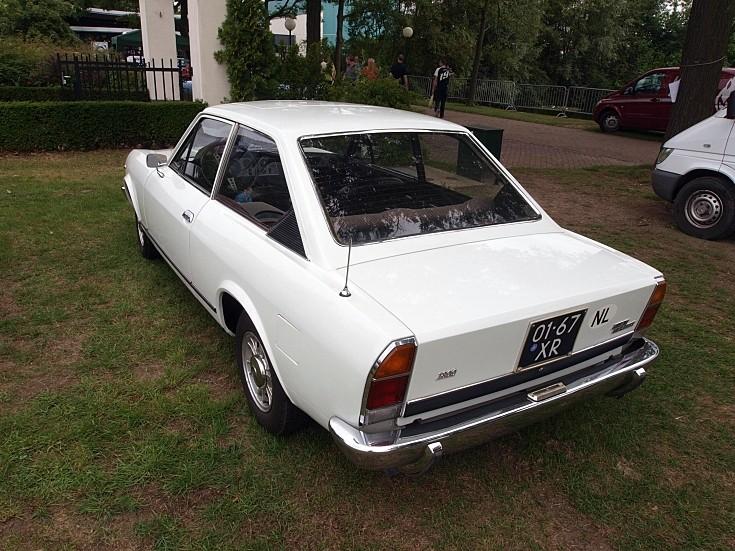 FIAT 124 white