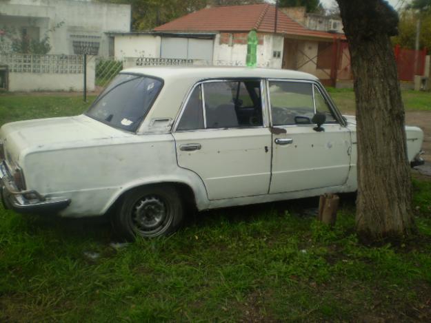 FIAT 125 brown