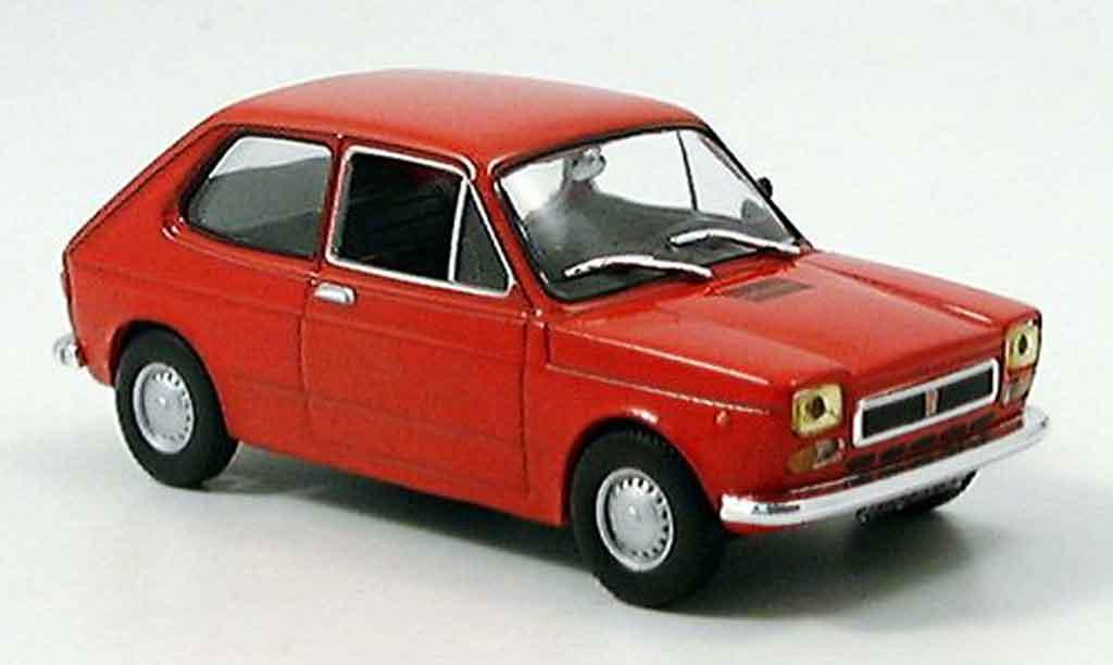 FIAT 127 red