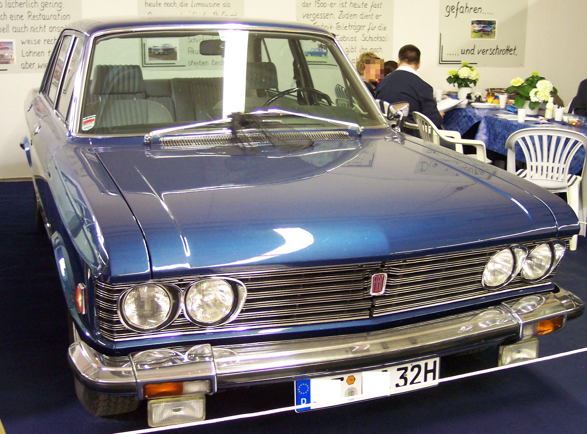 FIAT 130 blue