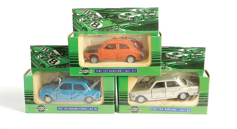 FIAT 130 green