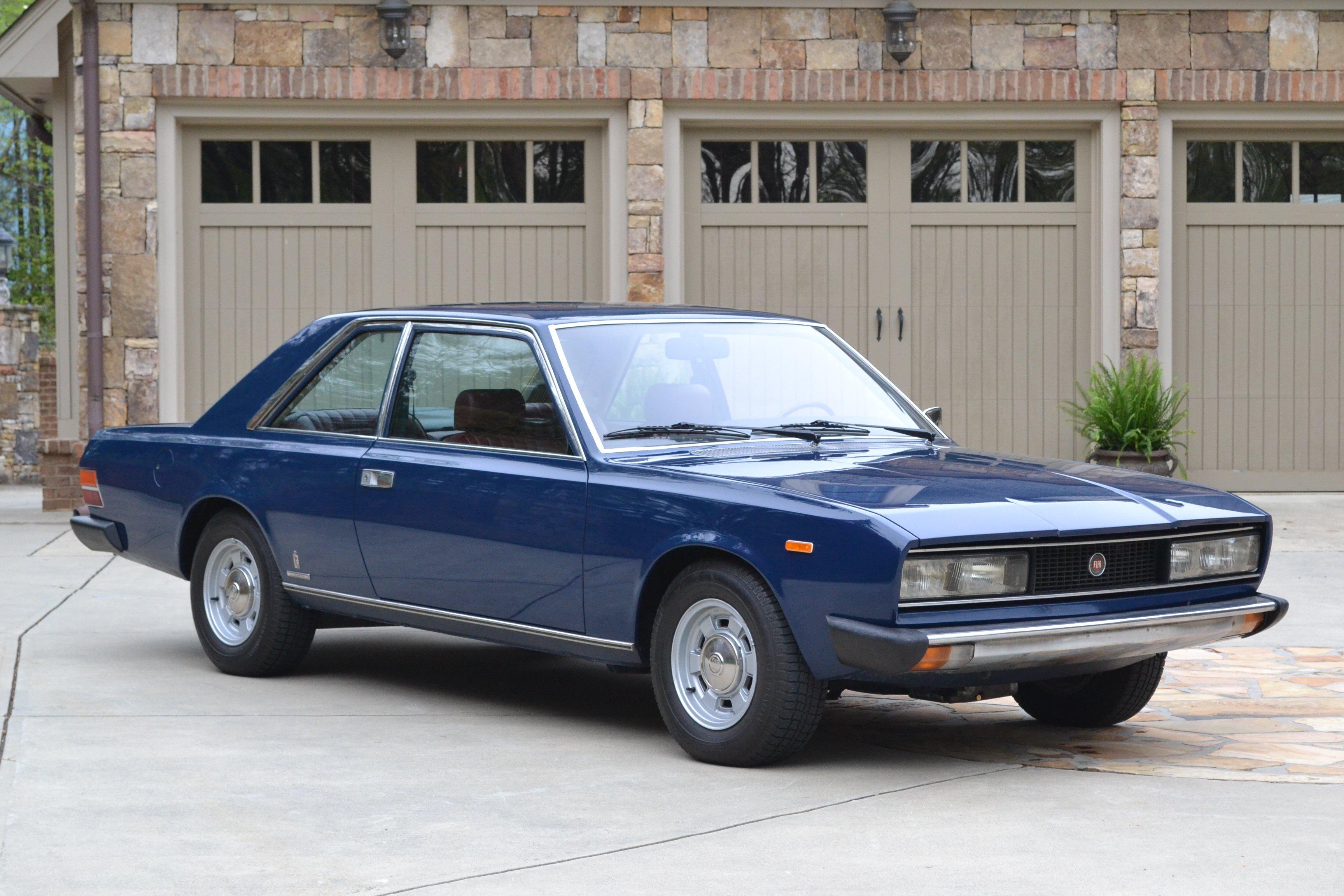 FIAT 130 silver