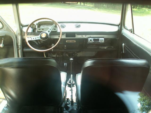 FIAT 850 interior