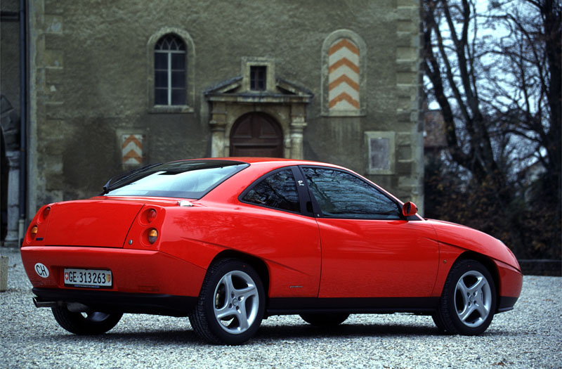 FIAT COUPE 1.8 red