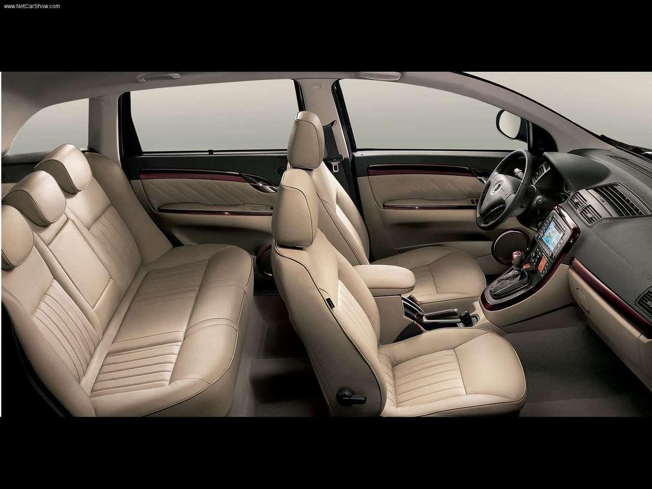 FIAT CROMA interior