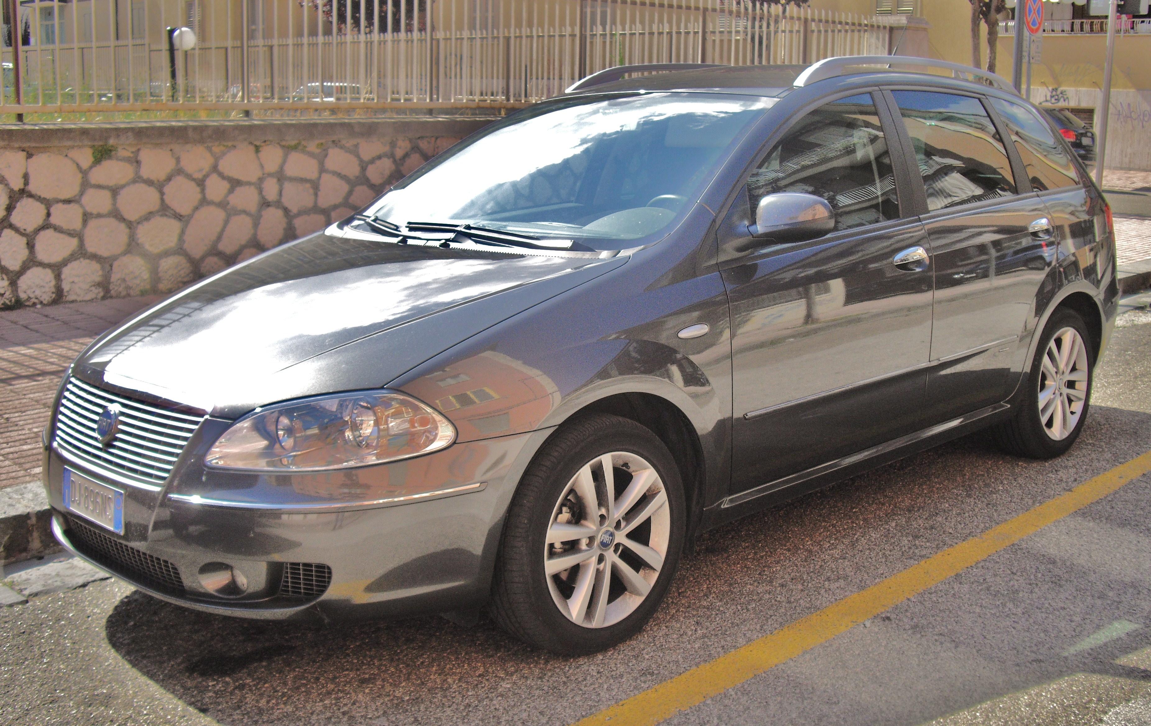 FIAT CROMA silver